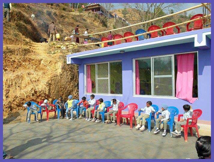 Nepal-schuleeroeffnung-web