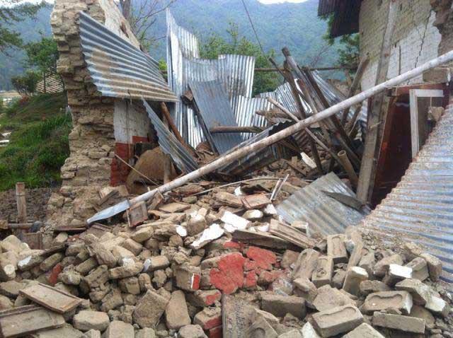 Nepal-Erdbebenbottle-web