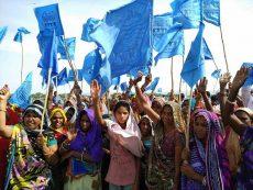 Indien: Höchststauung des Sardar Sarovar-Damm eingeleitet